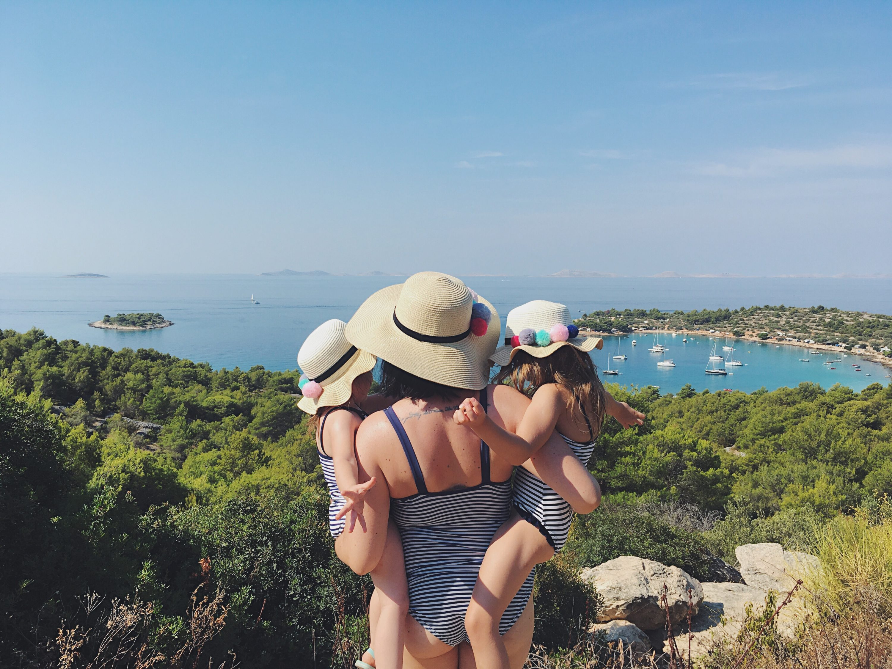 Murter Island Croatia full of life free spirit nature mom blogger stylish hm h&m jezera tisno happiness mama blogerica traveling kids lifestyle sea adriatic jadransko more more less ines blogger travel boat summer
