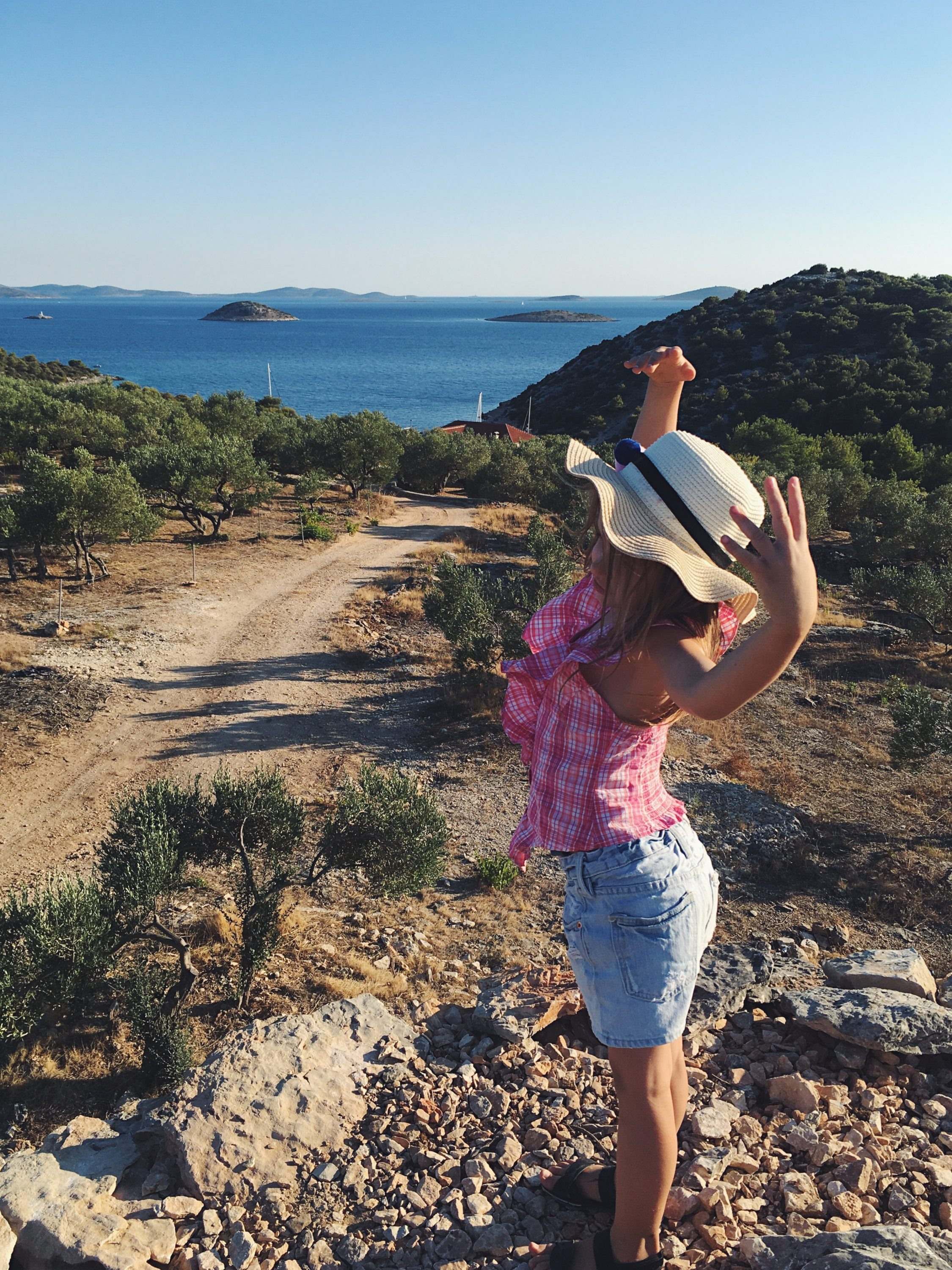 Murter Island Croatia full of life free spirit nature mom blogger jezera tisno happiness mama blogerica traveling kids lifestyle sea adriatic jadransko more more less ines blogger travel boat summer adventure pudarica tradicija sunset planinarenje explor kornati sv.nikola murtar