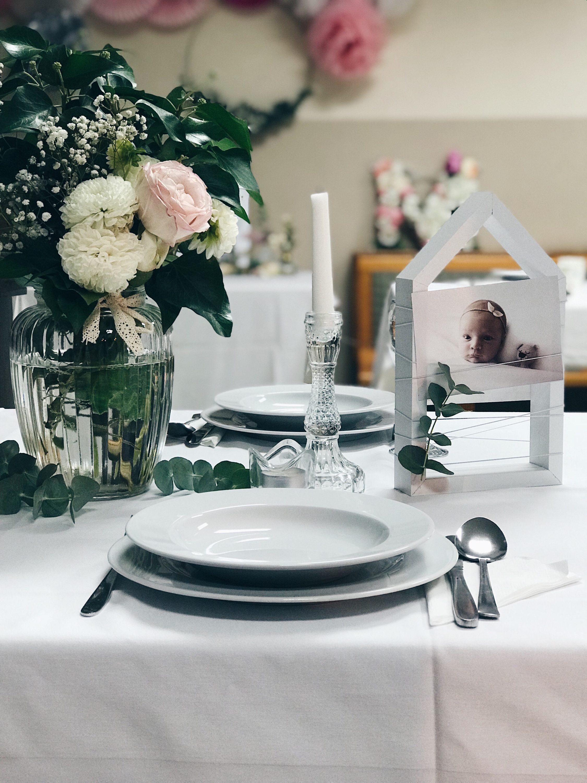 dekoracija stola za krštenje