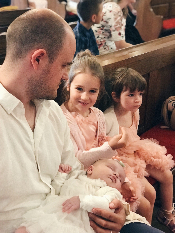 krštenje u crkvi