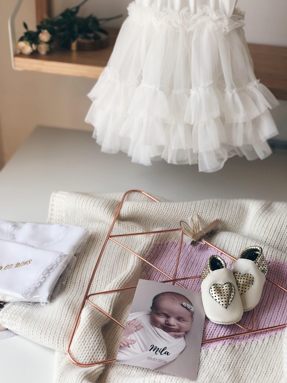 haljina i cipele za krstenje