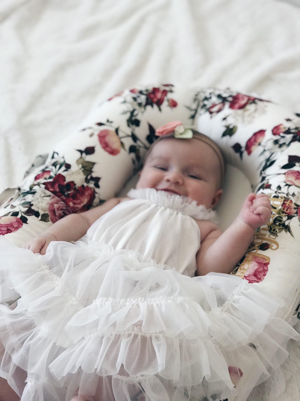 beba u haljini za krštenje