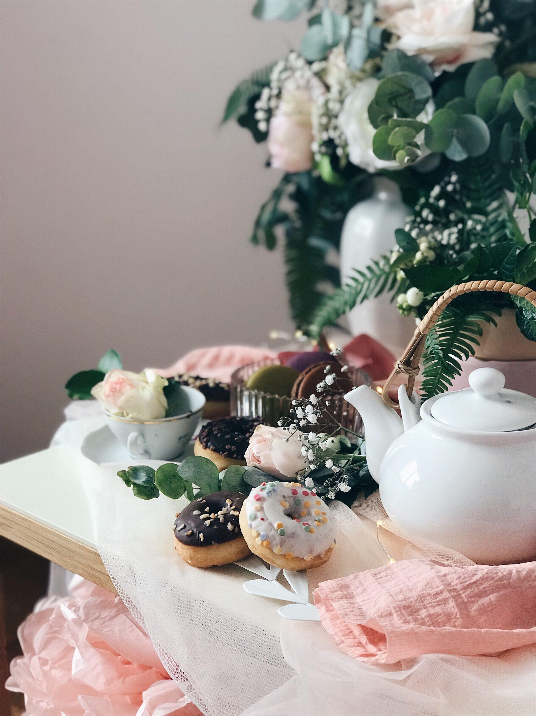 krafne i macaronsi čajanka za djevojčice