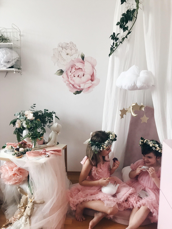 čajanka za djevojčice dvije sestre roza haljina