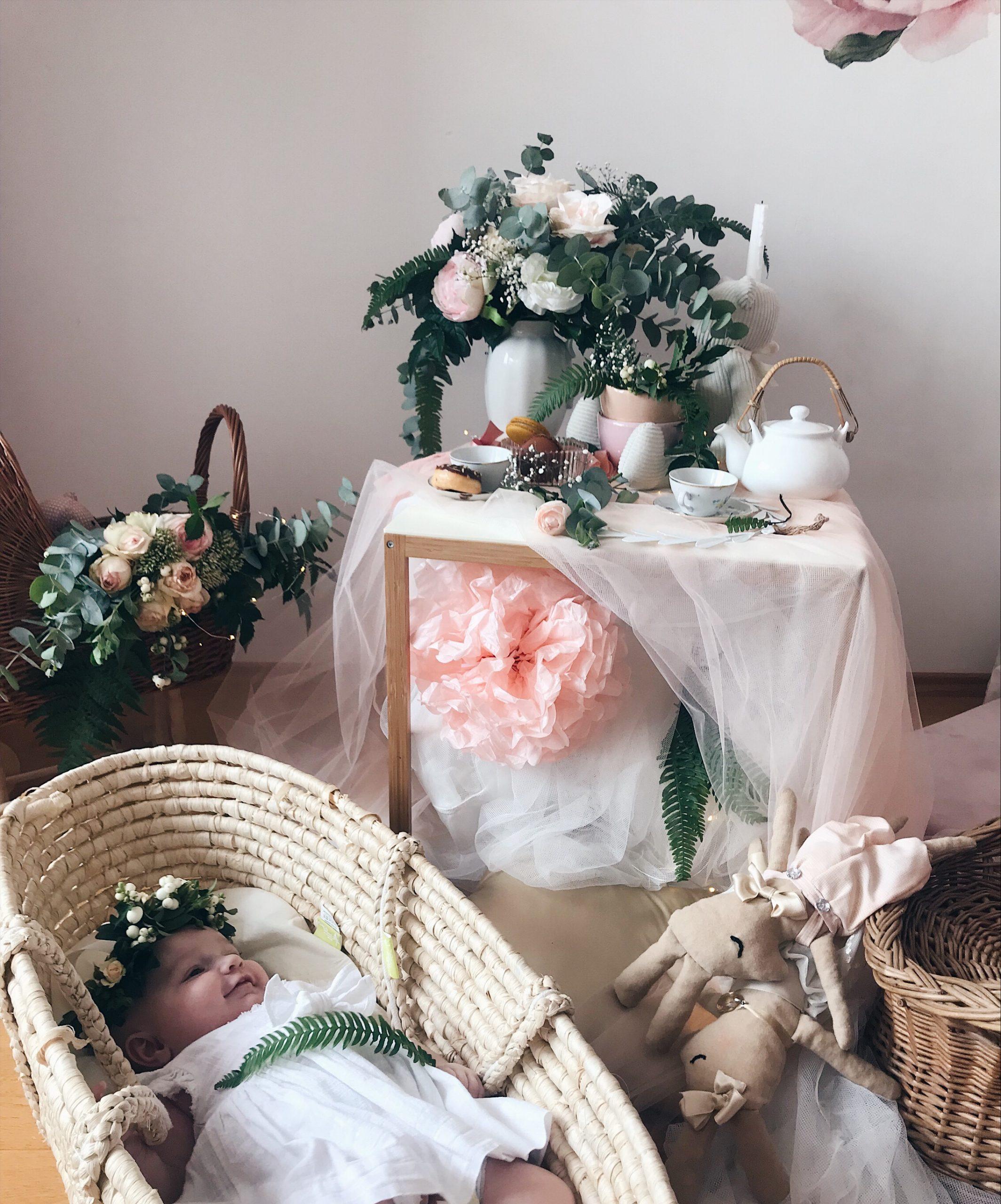 beba u košari paprat dekoracija dječje sobe