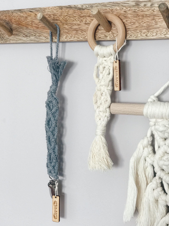 retro pletena zakačka za dudu adria knots
