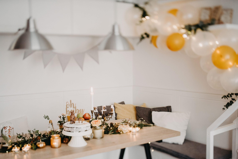 stol za baby shower dekoracija