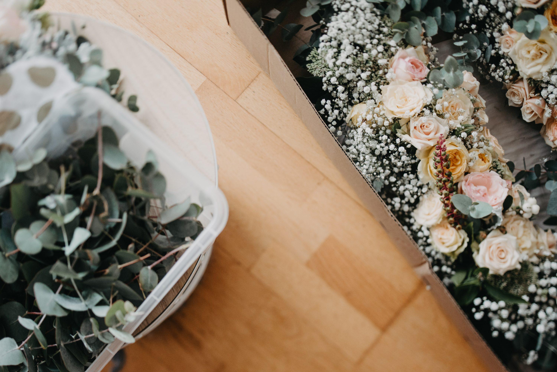 cvijeće dekoracija u kutiji