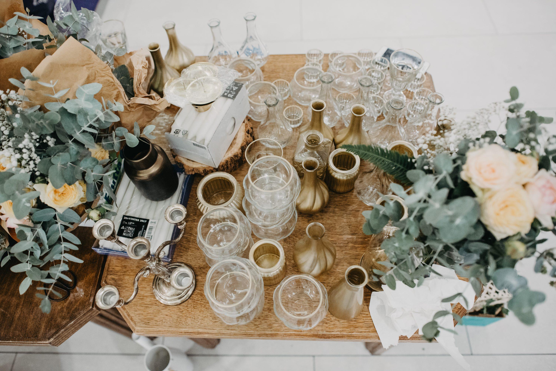 zlatna dekoracija za svadbu