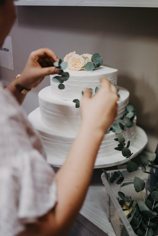 dekoracija svadbene torte eukaliptus