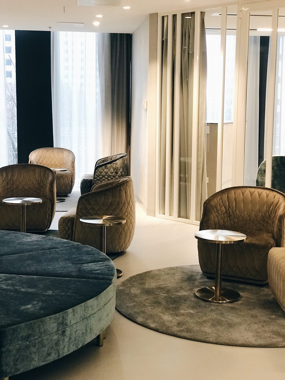 hotel qo amsterdam sofa nad armchair